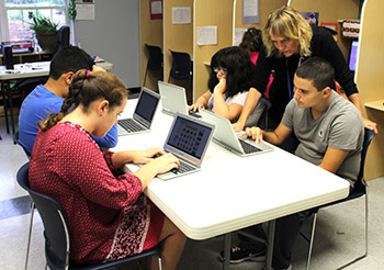 Students in group tech instruction - New Road School - private special education schools in NJ